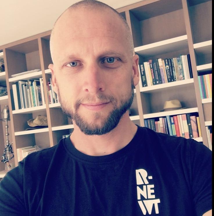 Marcel Jongerenwerker R-Newt